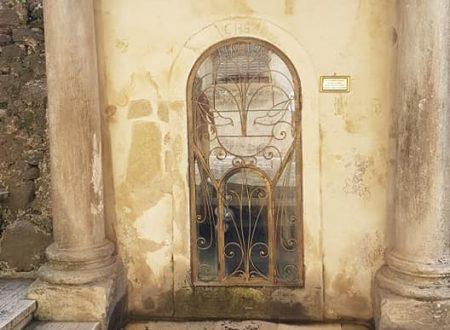 'Funtanella', 'a Cucchiarella' nel santuario di San Francesco di Paola, a Paola nel cosentino. Di Rosanna Salatino